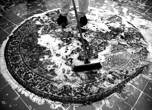 carpets-cleaning-blackwhite